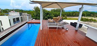 Private roof with swimming pool in Penthouse apartments on the 5th floor
