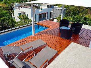 Частная крыша с бассейном в апартаментах Пентхаус на 5 этаже
