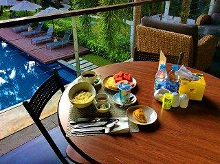 Breakfast in open bar